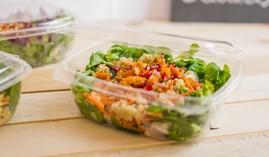 Boîtes salade à emporter, plats froids